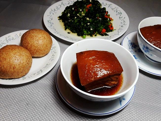东坡肉,清炒羽衣甘蓝和全麦馒头.jpg
