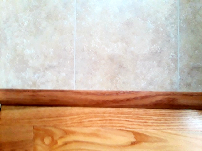 hard wood and tile joint.jpg